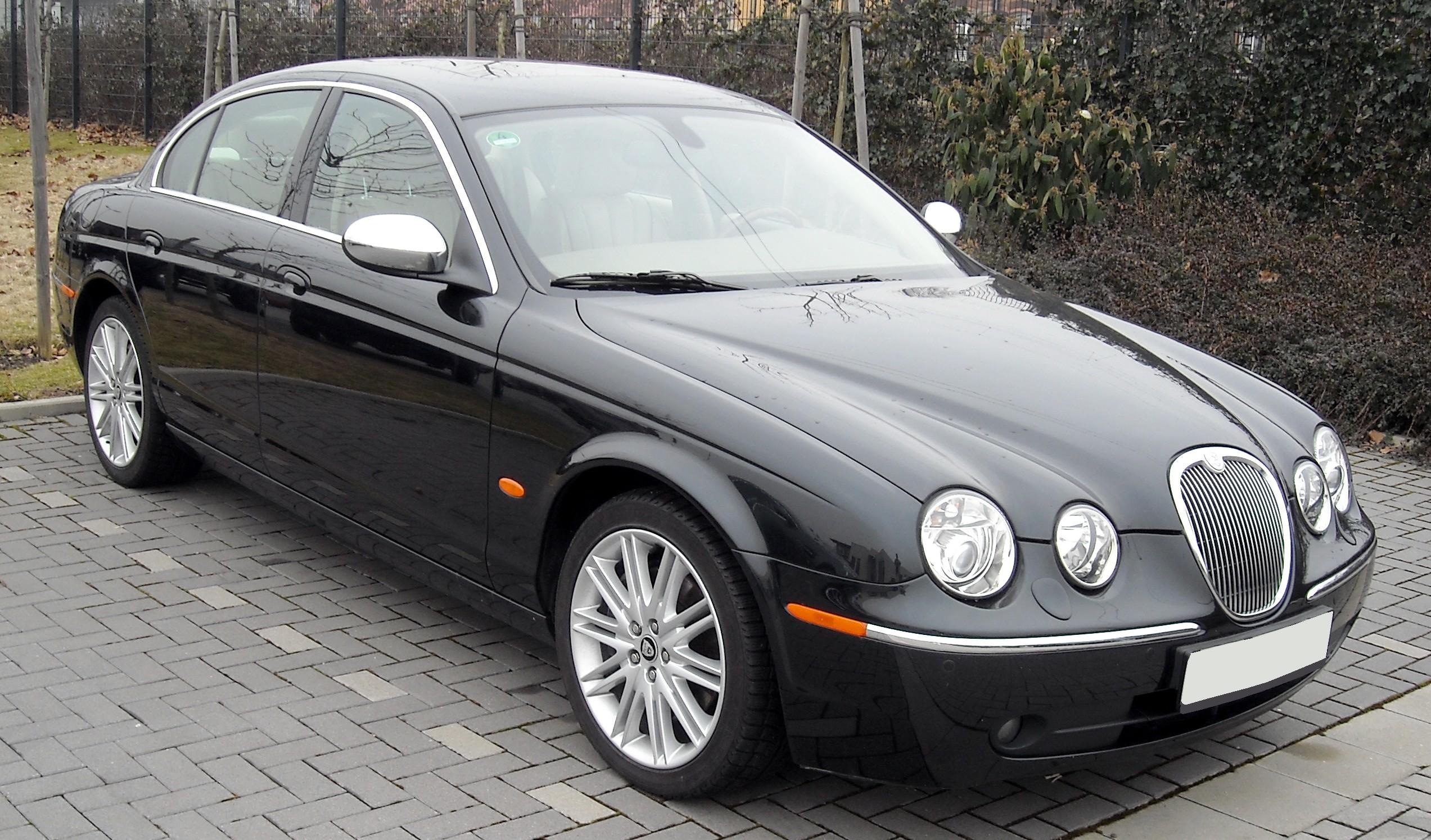 jaguar cars the most common problems faced by owners mercury cars rh mercurycars co uk jaguar s-type 2000 owners handbook 2000 Jaguar S-Type Interior